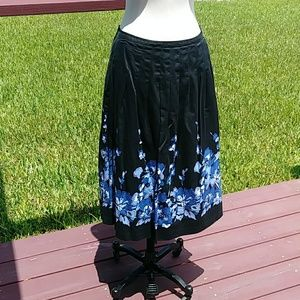Charter Club Women's Skirt.  Size 8.